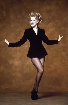 Bette Midler (born December is an American singer-songwriter, actress, and comedian, also known by her informal stage name, The Divine Miss M. Bette Midler, Hollywood Glamour, Hollywood Stars, Divas, Judi Dench, Helen Mirren, Girl Dancing, Female Singers, Celebs