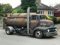 old rat rod trucks Rat Rod Cars, Hot Rod Trucks, Big Rig Trucks, New Trucks, Cool Trucks, Cool Cars, Rat Rods, Old Ford Trucks, Diesel Trucks