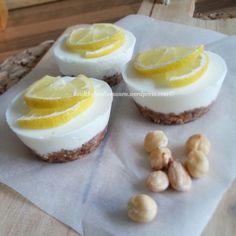 Mini Griekse yoghurt citroen taartjes!   Healthyfoodie Healthy Cake, Healthy Baking, Healthy Desserts, Delicious Desserts, Dessert Recipes, Yummy Food, Sweet Pie, Sweet Cakes, Fabulous Foods