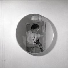 Find the latest shows, biography, and artworks for sale by Vivian Maier. Vivian Maier was a photography hobbyist whose output would become an influential bod… Mirror Photography, History Of Photography, Photography Gallery, Fine Art Photography, Street Photography, Urban Photography, Portrait Photography, Vivian Maier, Minimalist Photography