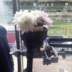 #floral #centrepiece with an #industrial touch #weddinginspiration #industrialdesign #weddingdecor #weddingflowers #tabledecor #tablesetting #weddingtable #workbench #weddingblog #weddingblogger #londonblog #londonblogger #hoxton #hackney #arepa #devinebride