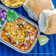 Herbivore Cucina: A famous Maharashtrian breakfast dish Misal Pav, made simple by mixing everything in a pressure cooker. Who wants breakfast in 30 minutes flat?