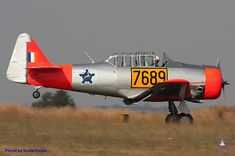 Warlock AV8ion Photography: T6 Harvards operated in South Africa