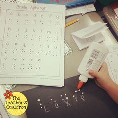 Braille activity- could make a fun word work activity! Great activity for parents and teachers to teach sighted children about braille, Helen Keller, and more! Teaching Social Studies, Student Teaching, Teaching Reading, Teaching Tools, Learning, Reading Lessons, Teaching Resources, Teaching Ideas, Helen Keller