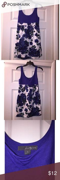Forever 21 Dress  Forever 21 Dress .. Size Small. Blue & White floral. Great condition $12  Forever 21 Dresses