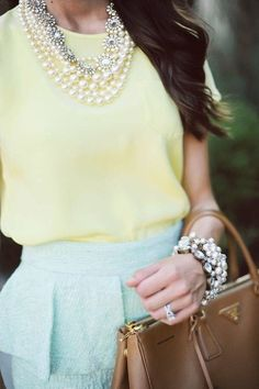 Great lemon yellow for light summer. Paired here with mint. I'd change the color of the purse.