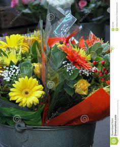 pojemniki na kwiaty na sali weselnej -  dopytać czy są