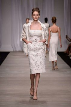 http://www.fashionstylemag.com/2015/fashion/ermanno-scervino-ss-2015-rtw/