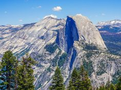 Sentinel Dome to Glacier Point hike in Yosemite is a wonderful day out with a summit of Sentinel Dome and a walk to one of the park's best viewpoints.