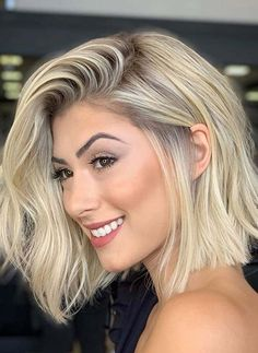 Bob Haircuts Fantastic Lob Haircut Styles for Women with Blonde Shades in 2020 Rigid PVC Sheets in C Bob Haircuts 2017, Cool Haircuts, Short Bob Hairstyles, Celebrity Hairstyles, Hairstyles Haircuts, Cool Hairstyles, Haircut Styles For Women, Short Hair Cuts For Women, Short Hair Styles