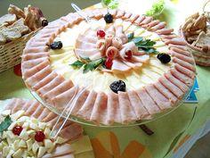 Aperitivo. Tapas. Snack.  #tapa #snack #jamon #ham #ibérico #queso #cheese #vino #wine #winelovers #winery #bodega #cerveza #beer #beerlovers #sidra #cider #cava #TiendasOnline #Gourmet #bottleandcan #Granada #Andalucia #Andalusia #España #Spain     www.tienda.bottleandcan.com       +34 958 08 20 69      +34 656 66 22 70