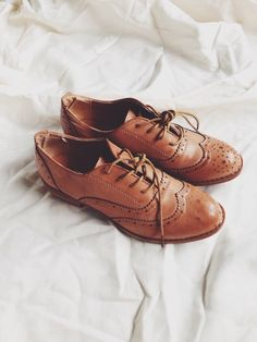 Shoes. Oxfords. Brown. Laces. Vintage.