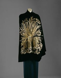 Apollo of Versailles Elsa Schiaparelli (Italian, Date: winter Culture: French Medium: silk, metallic Dimensions: Length at CB: 40 in. cm) Credit Line: Gift of Estate of Lady Mendl, 1951 Accession Number: Charles Frederick Worth, Charles James, Elsa Schiaparelli, Vintage Gowns, Mode Vintage, Vintage Outfits, Vintage Clothing, Jeanne Paquin, Gypsy Rose Lee