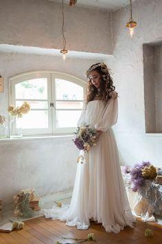 自然体な姿が魅力♡最近人気のナチュラルなおしゃれウェディングドレスに注目!にて紹介している画像 Cute Wedding Dress, White Wedding Dresses, Wedding Dress Styles, Wedding Bride, Mermaid Dresses, Flower Girl Dresses, Bridal Gowns, Wedding Gowns, Bridal Portrait Poses