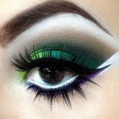 Synthetic false eyelashes over green smokey eye makeup #falselashes #browneyes #makeup