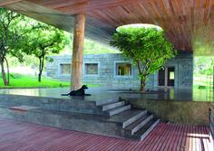 La casa sulla roccia Studio Seilern Architects con Muzia Sforza - Local Architect Bruce