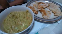 Guacamole and crispy wrap