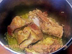 Greek Recipes, Food And Drink, Pork, Chicken, Meat, Kale Stir Fry, Pigs, Greek Food Recipes, Cubs