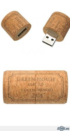 Wine Cork USB Flash Drive http://amzn.to/2pu2E2D