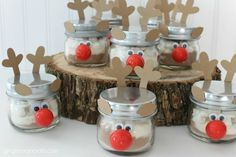 Hot Cocoa in a Reindeer Jar {gift idea}