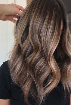 Hair Inspo Ideas hair goals ombre balayage light browns It's Spring And Time To Garden! Brown Ombre Hair, Brown Hair Balayage, Brown Blonde Hair, Brown Hair With Highlights, Hair Color Balayage, Light Brown Hair, Brunette Hair, Color Highlights, Hair Colour