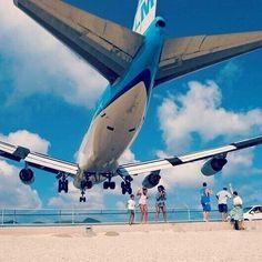 """@Anto Littrell: ""@aircraftpics747: She's beautiful... @KLM Royal Dutch Airlines pic.twitter.com/a8p9Ysd8CI"" mas lindo"""