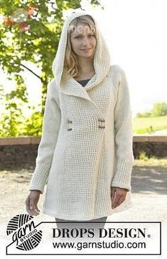 Knitted DROPS jacket with raglan, hood and bamboo pattern, worked top down in Nepal. Size: S - XXXL. Free knitting pattern by DROPS Design. Crochet Jacket, Knit Jacket, Knit Crochet, Hooded Jacket, Diy Vetement, Drops Design, Knitting Patterns Free, Free Pattern, Free Knitting