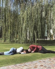 Tini y Sebastian Couple Dps, Couple Goals, Picnic Blanket, Outdoor Blanket, Sebastian Yatra, Guy Best Friend, Naha, I Wallpaper, My People
