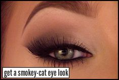How to Do Smokey-Cat Eye Makeup