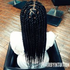 Box braids in braided bun Tied to the front of the head, the braids form a voluminous chignon perfect for an evening look. Box braids in side hair Placed on the shoulder… Continue Reading → Box Braids Hairstyles, My Hairstyle, Hairstyles Games, Hairstyle Ideas, Hair Ideas, Party Hairstyle, Bridal Hairstyle, Hairstyles 2018, Big Box Braids