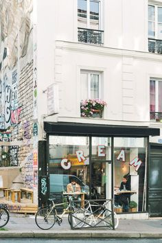 good reads: the new paris.