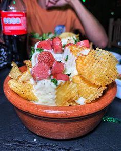 Comenzado la noche de viernes en @hendrixbarbahiablanca con estas innovadoras papas rejillas y una fresca ensalada caesar. . . . #food #foodporn #foodie #instafood #foodphotography #yummy #delicious #instagood #love #foodstagram #foodblogger #foodlover #foodgasm #healthyfood #dinner #foodies #restaurant #lunch #tasty #eat #healthy #photooftheday #homemade #bhfyp #breakfast #picoftheday #chef #bahiablanca #foodpics #fries Fresco, Rumali Roti, Acai Bowl, Foodies, Food Porn, Swimsuits, Breakfast, Friday, Innovative Products