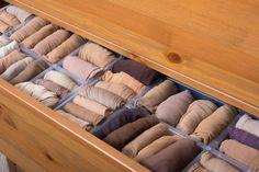 Foto: iStock Personal Organizer, Konmari, Closet Organization, Clutter, Shoe Rack, Home, Closet Organization Tips, Home Organization Tips, Bedroom Cupboards