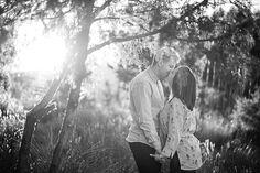 Cada vez disfruto más haciendo prebodas. Para mí, igual que para la pareja es imprescindible conocernos antes de la boda, que vean los novios que pueden confiar en mí, en mi trabajo, que pueden estar tranquilos el día de su boda. Necesito que comprueben por ellos mismos que sin necesidad de posar se consiguen unos resultados que muestran al 100% el amor que se tienen y el momento tan bonito que están viviendo en su relación.