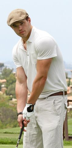 That's one hot golfer!