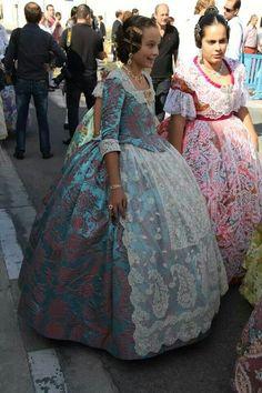 Manga Traditional Fashion, Traditional Dresses, Fashion Outfits, Womens Fashion, Fashion Ideas, Cosplay Outfits, Costumes, Costume Ideas, Textiles