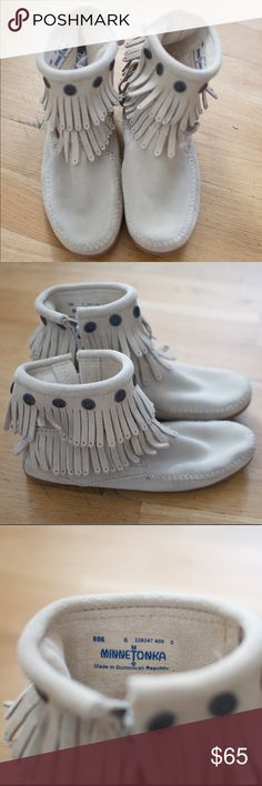 minnetonka moccasins minnetonka moccasins. Worn once. Perfect condition Minnetonka Shoes Moccasins