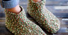 Lämpimät neuletossut valmistuvat nopeasti aina oikein -neuleella yhdestä sukkalankakerästä. Katso helppo ohje ja kokeile itse!