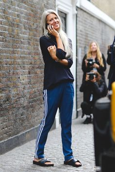 Street Style Photos - London Fashion Week SS17