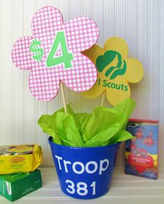 Girl Scout Cookie Booth Decorations It's Cookie Time! Make your own DIY Girl Scout Cookie Booth Decorations by making a cute and personalized Girl Scout Swap, Girl Scout Leader, Girl Scout Troop, Brownie Girl Scouts, Girl Scout Cookie Sales, Girl Scout Cookies, Girl Scout Activities, Fun Activities, Girl Scout Camping