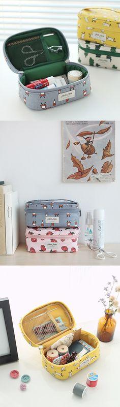 Harry Hedgehog Art Travel Luggage Storage Bag Duffel Bag Handle Makeup Bag Fashion Lightweight Large Capacity Portable Luggage Bag