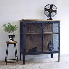 Locker Furniture, Metal Furniture, Home Decor Furniture, Industrial Design Furniture, Furniture Design, Welding Projects, Wood Projects, Vintage Industrial, Apartment Living