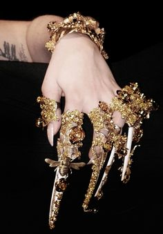 Continue with multiple armour ring stacking for #AW1314! Love the filigree, more intricate styles! #raven queen Accessoires Photo, Armor Ring, Gold Aesthetic, Character Outfits, Fashion Outfits, Womens Fashion, Lady Gaga, Harrods, Costume Design