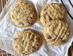 Cookies s čokoládou a ovesnými vločkami Chocolate Cookies, Food And Drink, Cooking Recipes, Baking, Eat, Breakfast, Desserts, Pizza, Blog