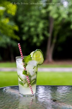How to make infused vodka. Basic infused vodka recipe for cucumber vodka, hibiscus vodka, then a cucumber mojito, and hibiscus lime cocktail. Vodka Cocktails, Cocktail Drinks, Fun Drinks, Yummy Drinks, Alcoholic Beverages, Vodka Lime, Infused Vodka, Lime Juice, Vodka Recipes