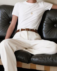 SOLD Vintage linen off white pants and real leather belt.Size 36/38Both made in Italy.65€ + shipping