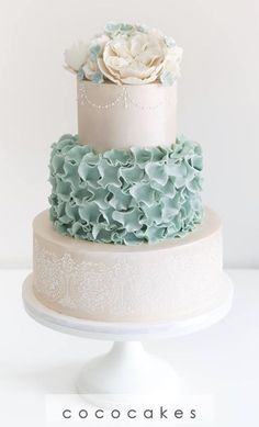 11 Green Wedding Cake Inspiration with Classy Design - Bellestilo Beautiful Wedding Cakes, Beautiful Cakes, Amazing Cakes, Wedding Cake Designs, Wedding Cake Toppers, Wedding Cake Inspiration, Wedding Ideas, Occasion Cakes, Fancy Cakes
