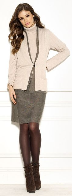 Diktons double layered cardigan and vertical links stripe short skirt
