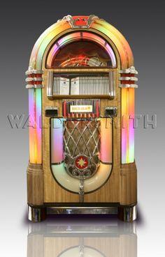 Rock-Ola Bubbler CD Jukebox - Light Oak Music Tv, Music Games, Light Oak, California Usa, Great Britain, Jukebox, Old Things, Things To Sell, Game Room