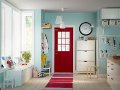 Red and teal entry